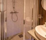 Fluvius double cabin upper deck bathroom