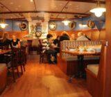 Mare fan Fryslân restaurant guests