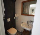Magnifique IV bathroom toilet